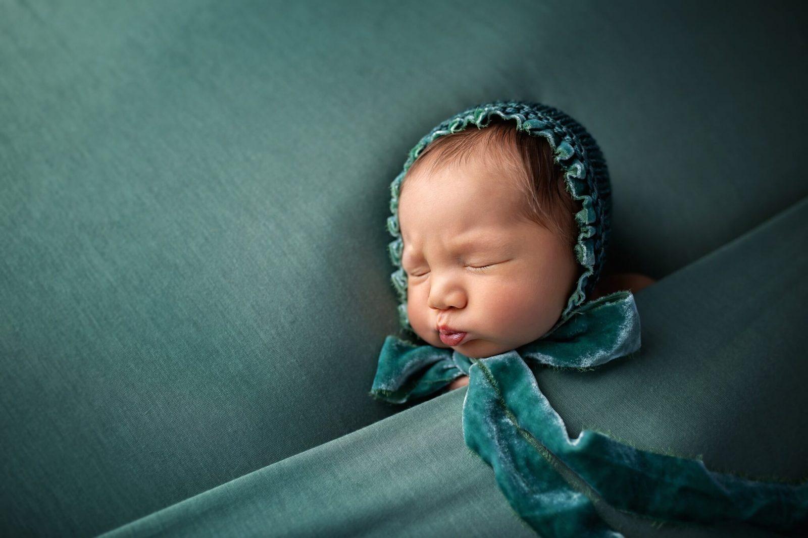 newborn photographer in east london