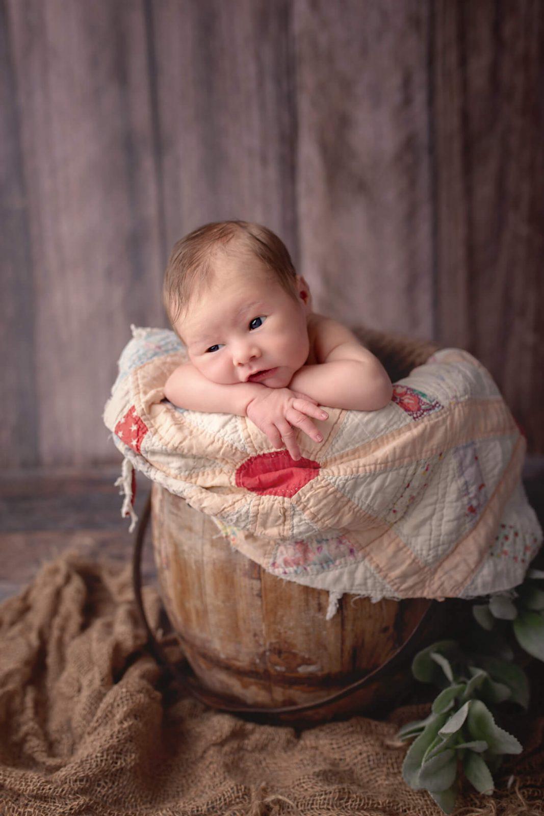 Newborn photography posing
